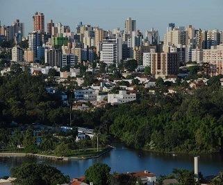 Ônibus saindo da Rodoviária de Araraquara para Londrina