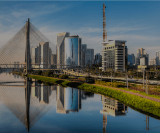 Ônibus saindo da Rodoviária de Anápolis para Sao Paulo